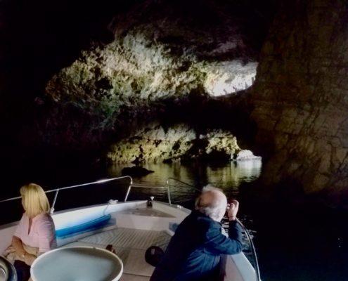 Foto nella grotta di Polignano