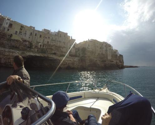 Giro in barca a Polignano