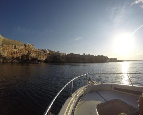 Escursione in barca a Polignano a Mare